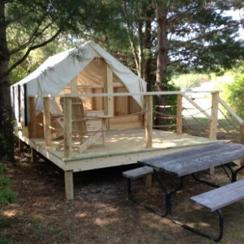 1000 Islands Glamping Tents